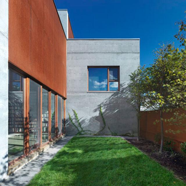 Dezeen_La-Maison-Beaumont-by-Henri-Cleinge-Architecte_3sq