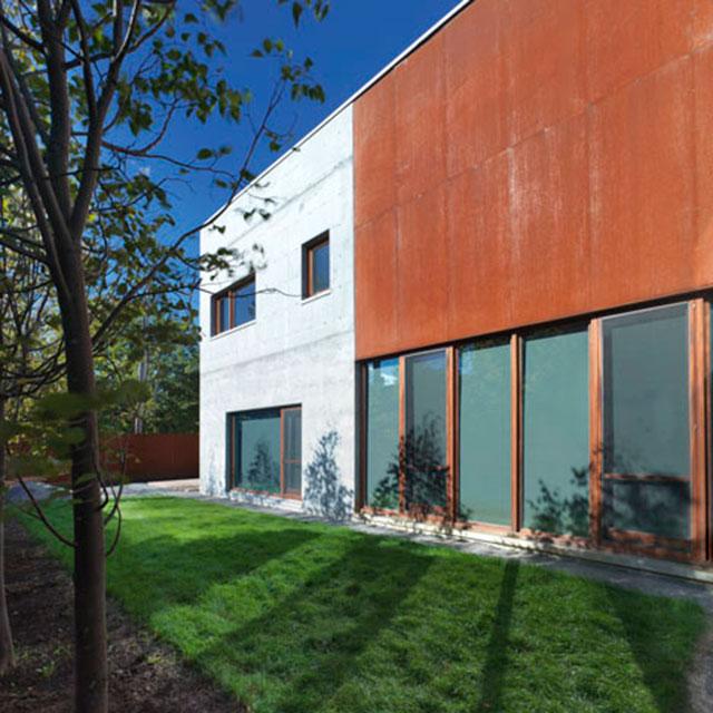 Dezeen_La-Maison-Beaumont-by-Henri-Cleinge-Architecte_4sq