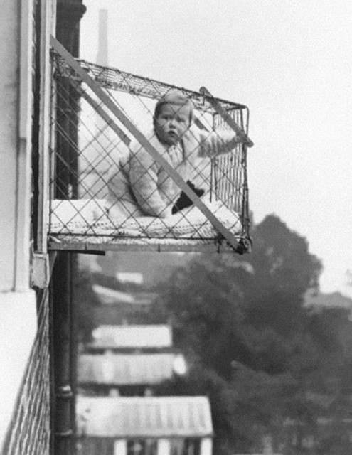 photos-historiques-cages-pour-bebe-immeuble