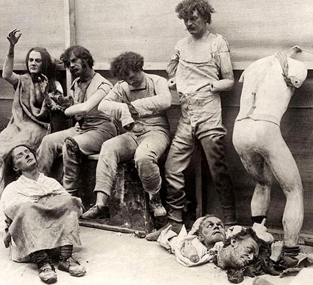photos-historiques-mannequin-endommage-incendie-madame-tussaud-1930