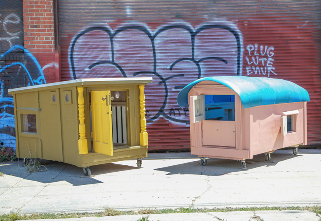 Un artiste trop cool cr e des petites maisons pour les for Cree des maison