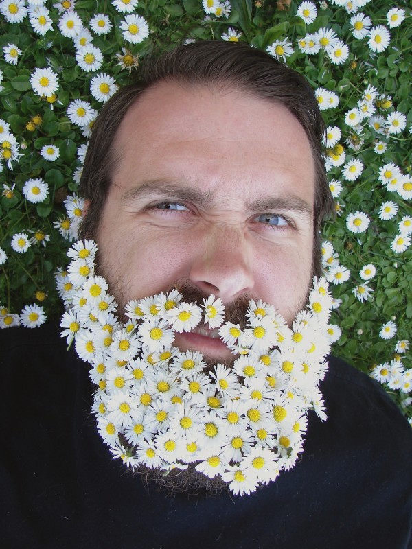 flower-beard-floral-men-trend-gallery-5-600x800