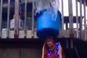 ice-bucket-drole