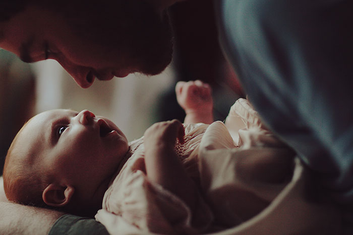 fathers-day-baby-photography-46-5763b320d66d7__700