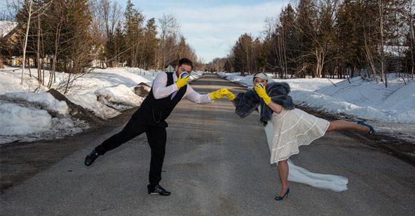 2 Québécois se sont unis malgré l'annulation de leur gros mariage